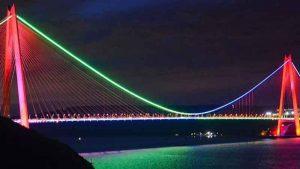 ایستامبول آذربایجان ینگ بایداغینا بِزهلدی