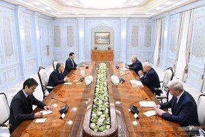 29 300x200 - کارشناسان بینالمللی با رئیس جمهور ازبکستان دیدار کردند