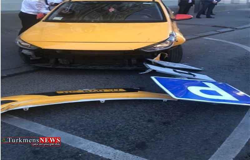 برخوردیک دستگاه تاکسی درمسکو باعابران پیاده 8نفررا زخمی کرد