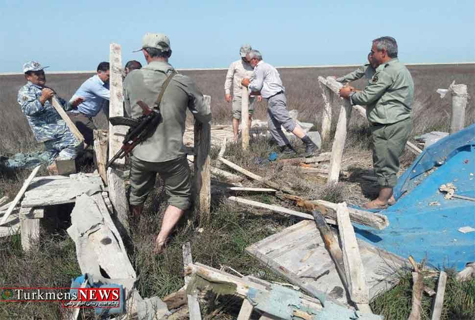 تخريب کومه های غیرمجاز در سواحل گمیشان