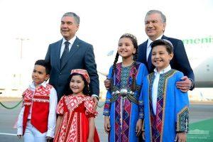 ازبکستان 2 300x200 - بردی محمداف به ازبکستان رفت