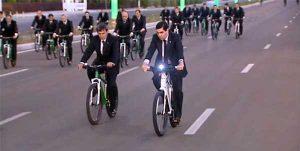 نشان عالی اتحادیه بینالمللی دوچرخهسواری به «بردی محمداف» اعطا شد