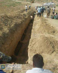 و خاکسپاری جانباختگان تصادف 6 241x300 - پیکر جانباختگان تصادف تریلی با مینیبوس در مراوه تپه خاکسپاری شد+تصاویر