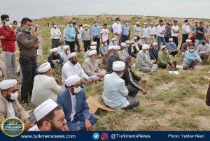 """و خاکسپاری دکتر عبدالجلیل غیادی 14 300x202 - مرحوم """"عبدالجلیل غیادی"""" در خاک زادگاهش آرام گرفت+تصاویر"""