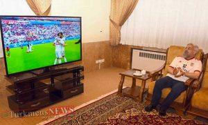 روحانی فوتبال 3 300x181 - روحانی در خانه بازی ایران-مراکش را تماشا کرد+عکس