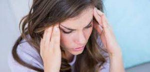 سردرد 300x145 - راهکارهای بسیار آسان برای درمان سردرد