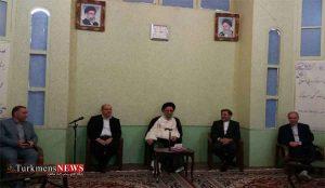 وزیر راه با ولی فقیه 300x174 - وزیر راه و شهرسازی با نماینده ولی فقیه در گلستان دیدار کرد