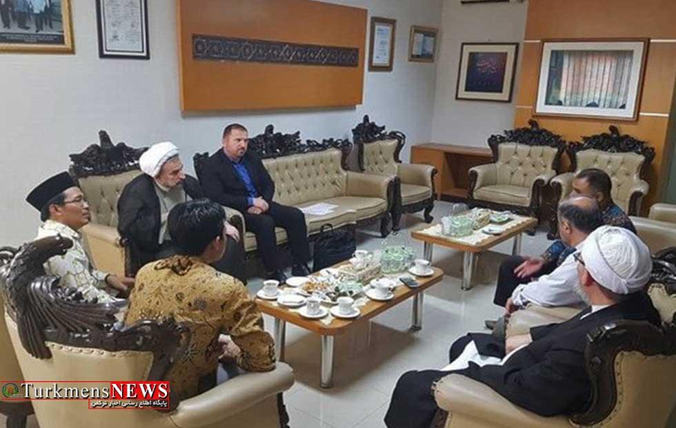 رئیس دانشگاه مذاهب اسلامی و هیات همراه برای دیدار و رایزنیهای علمی به کشور اندونزی سفر کردند