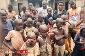 40 ساله با 44 فرزند2 300x198 - سرگذشت غمانگیز زن 40 سالهای که تاکنون 44 بچه به دنیا آورده! +عکس