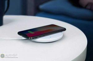 بی سیم موبایل 2 300x198 - تمام گوشیها را به صورت بیسیم شارژ کنید