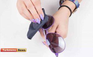 آفتابی 300x186 - چگونگی برطرف کردن خراش یا خط و خش عینک آفتابی