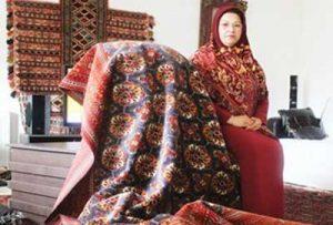 ترکمن 1 300x203 - سودای پهن کردن فرش ترکمن زیر پای جهانیان
