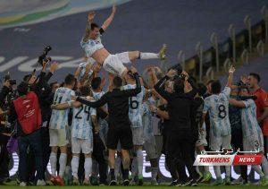 قهرمانی آرژانتین 7 300x211 - آرژانتین با پیروزی بر برزیل پس از ۲۸ سال قهرمان کوپا آمریکا شد+عکس