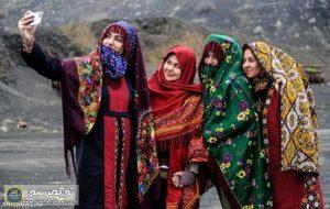 زنان تزکمن 300x190 - لباس ترکمنی فلسفه وچیستی خود را دارد