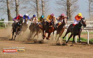 اسبدوانی هفته هفدهم 1 300x188 - روز اول هفته هفدهم مسابقات اسبدوانی زمستانه گنبدکاووس برگزار شد+عکس