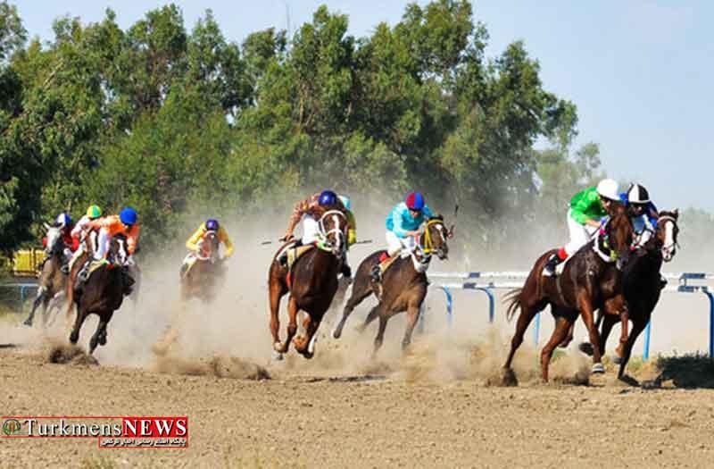مسابقه اسبدوانی در شهرستان راز و جرگلان برگزار می شود