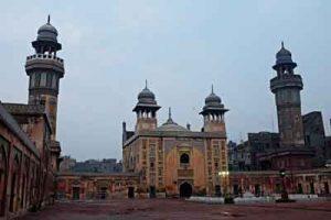 تاریخی لاهور 300x200 - هتک حرمت مسجد تاریخی لاهور / تعلیق کاری متولی مسجد