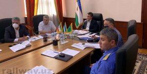 نمایندگان سازمانهای راه آهن 300x151 - نشست نمایندگان سازمانهای راه آهن ازبکستان، ایران و ترکمنستان برگزار شد