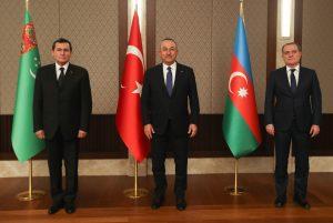 وزیران خارجه 300x201 - وزیران خارجه ترکمنستان، جمهوری آذربایجان و ترکیه دیدار کردند