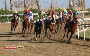 هفتم اسبدوانی ترکمن نیوز 1 300x188 - روز دوم هفته هفتم مسابقات اسبدوانی زمستانه گنبدکاووس برگزار شد+عکس