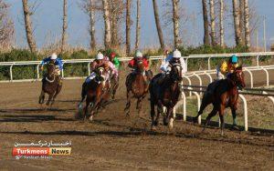 هفتم اسبدوانی ترکمن نیوز 3 300x188 - روز اول هفته هفتم مسابقات اسبدوانی زمستانه گنبدکاووس برگزار شد+عکس