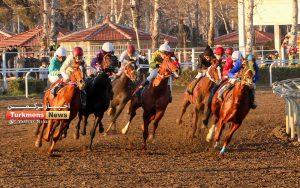 هفتم اسبدوانی ترکمن نیوز 300x188 - روز اول هفته هفتم مسابقات اسبدوانی زمستانه گنبدکاووس برگزار شد+عکس