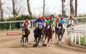 هفدهم مسابقات اسبدوانی 1 300x188 - روز اول هفته هفدهم مسابقات اسبدوانی زمستانه گنبدکاووس برگزار شد+عکس