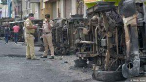 تظاهرات 300x169 - ۳ کشته در هند در جریان نزاع بر سر مطلب فیسبوکی به ظن توهین به پیامبر اسلام