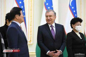 پارلمانی کره جنوبی با رئیس جمهور ازبکستان 3 300x201 - هیأت پارلمانی کره جنوبی با رئیس جمهور ازبکستان دیدار کرد+ تصاویر