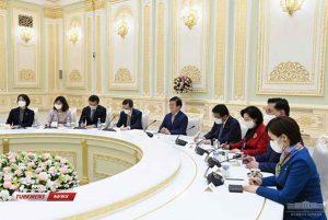 پارلمانی کره جنوبی با رئیس جمهور ازبکستان 5 300x201 - هیأت پارلمانی کره جنوبی با رئیس جمهور ازبکستان دیدار کرد+ تصاویر