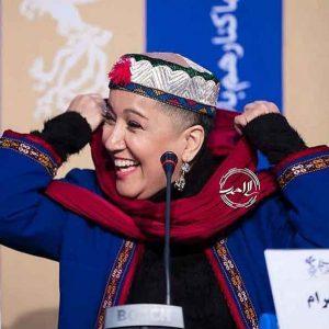 آ  300x300 - پانتهآ بهرام کشف حجاب کرد/ لباس و کلاهم کار دستِ زنانِ ترکمن صحراست