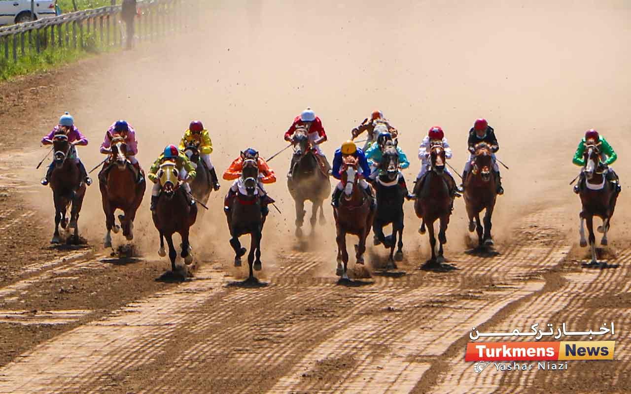 روز دوم هفته نوزدهم مسابقات اسبدوانی بهاره گنبدکاووس برگزار شد+عکس