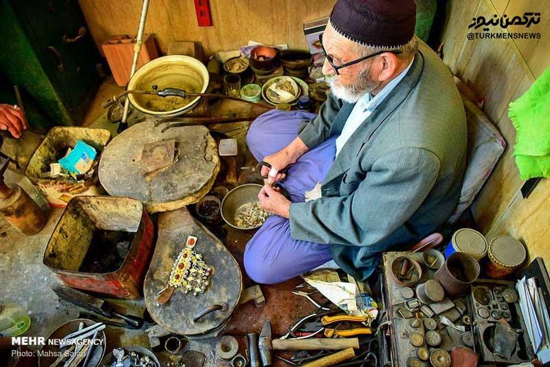 2980205 - زندگی ۶۰ ساله با زیورآلات ترکمن