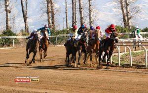 3 126 300x188 - روز دوم هفته نهم مسابقات اسبدوانی زمستانه گنبدکاووس برگزار شد+عکس