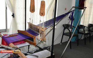 4 103 300x187 - بازدید مدیرکل دفتر امور زنان و خانواده استانداری گلستان از کارگاه تخصصی ابریشم در شهرستان رامیان