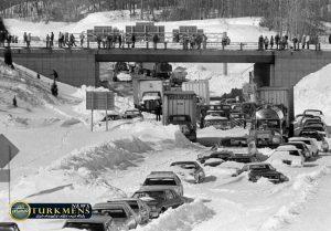 4 w750 300x209 - ۱۰ مورد از بزرگترین و سهمگین ترین برف و کولاک های تمام دوران را بشناسید