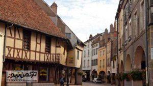 5 6 300x169 - گرانترین مرغ جهان در یکی از روستاهای فرانسه پرورش داده میشود