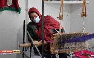 9 30 300x187 - بازدید مدیرکل دفتر امور زنان و خانواده استانداری گلستان از کارگاه تخصصی ابریشم در شهرستان رامیان
