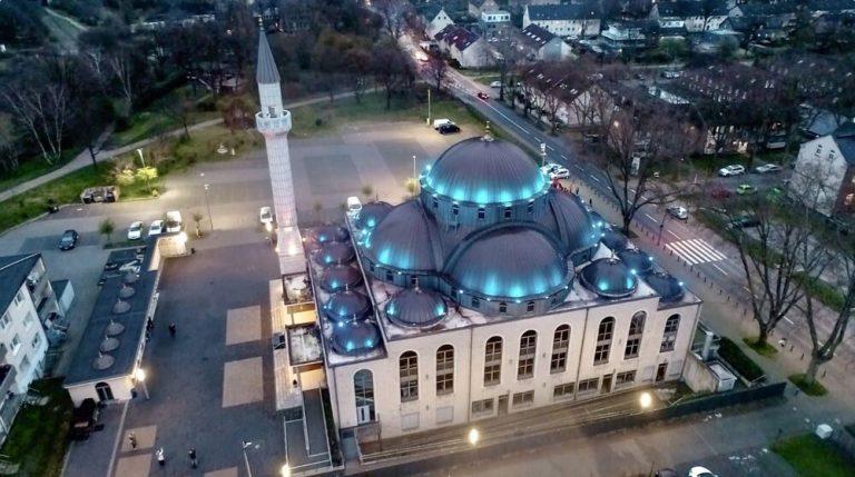 941338 768x429 - پخش صدای اذان از مساجد آلمان در ماه مبارک رمضان