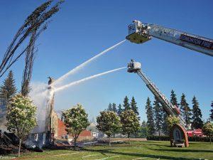 962012 391 300x225 - آتش زدن کلیساهای کاتولیک در کانادا