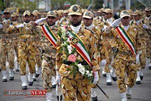 Artesh IRAN 29F 300x200 - برگزاری رژه نیروهای مسلح استان گلستان همزمان با سراسر کشور در سه شهرستان