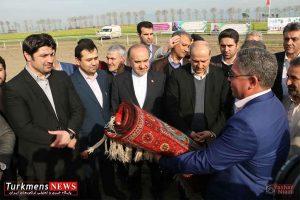 Bazdid TurkmensNews 11 300x200 - بازدید وزیر ورزش و جوانان از مسابقات سوارکاری کشور در گنبدکاووس+تصاویر