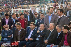 Bazdid TurkmensNews 15 300x200 - بازدید وزیر ورزش و جوانان از مسابقات سوارکاری کشور در گنبدکاووس+تصاویر