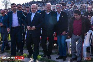Bazdid TurkmensNews 16 300x200 - بازدید وزیر ورزش و جوانان از مسابقات سوارکاری کشور در گنبدکاووس+تصاویر