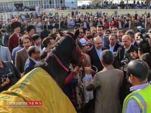 Bazdid TurkmensNews 9 300x225 - بازدید وزیر ورزش و جوانان از مسابقات سوارکاری کشور در گنبدکاووس+تصاویر