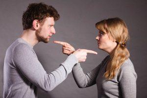 Couple Fights 11 300x200 - راه حل موثر در دعواهای زن و شوهری