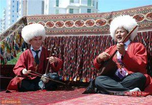 Dotar 12 12 Sh 300x209 - «دوتار» جزء لاینفک روح و هویت ملت ترکمن+تصاویر