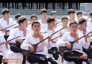 Dotar 12 4 Sh 300x209 - «دوتار» جزء لاینفک روح و هویت ملت ترکمن+تصاویر