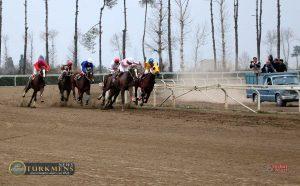 Dowr 4 300x186 - هفته بیست و یکم رقابتهای اسبدوانی کورس زمستان 96 گنبدکاووس برگزار شد+عکس