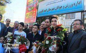 Esteghbal 25 300x186 - استقبال از دانشآموزان قهرمان و داور بینالمللی کاراته در گنبدکاووس